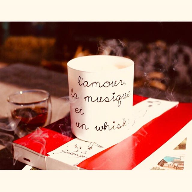 The French bare necessities: love, music & a whiskey 🥃☕️🚬🎶 #breaktime #candles #essentialoils #coconut #homeaccents #maison #decor #bukowski