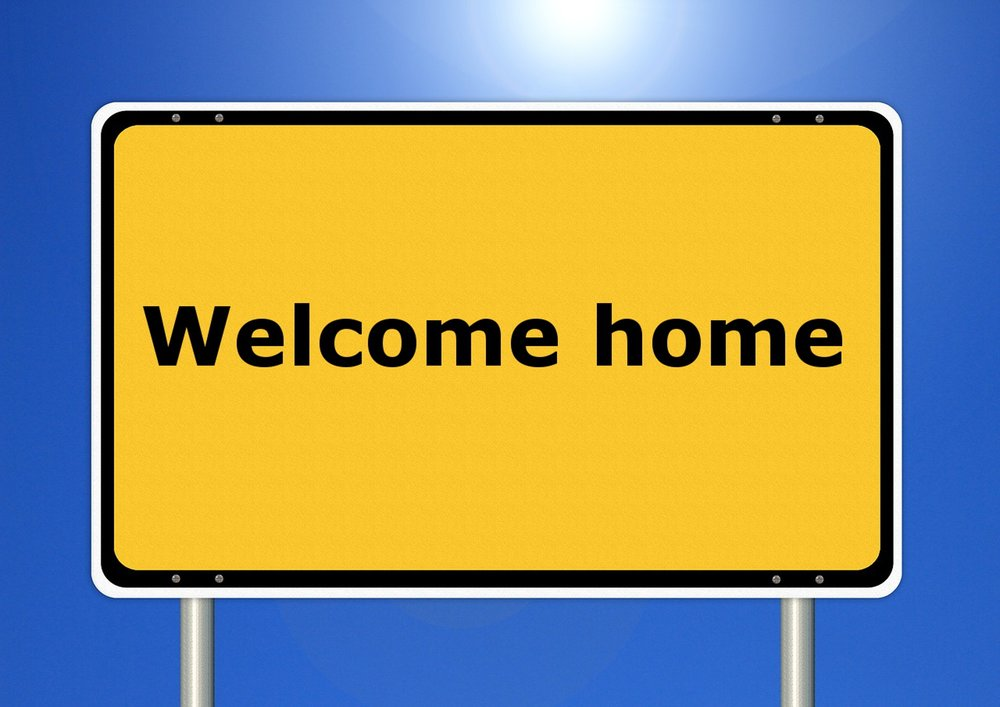 home-sign-line-street-sign-yellow-signage-719203-pxhere.com.jpg