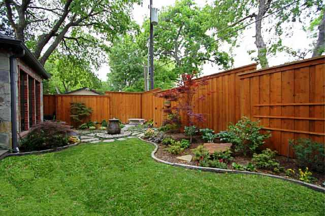 6345 GOLIAD BACK YARD.jpg