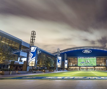 The Entertainment District at The Star is the perfect place to shop, dine, and bring the family to experience the Dallas Cowboys-themed campus. Offering more than twenty restaurants, shopping and specialty services, the Entertainment District is a place for the whole family to enjoy.