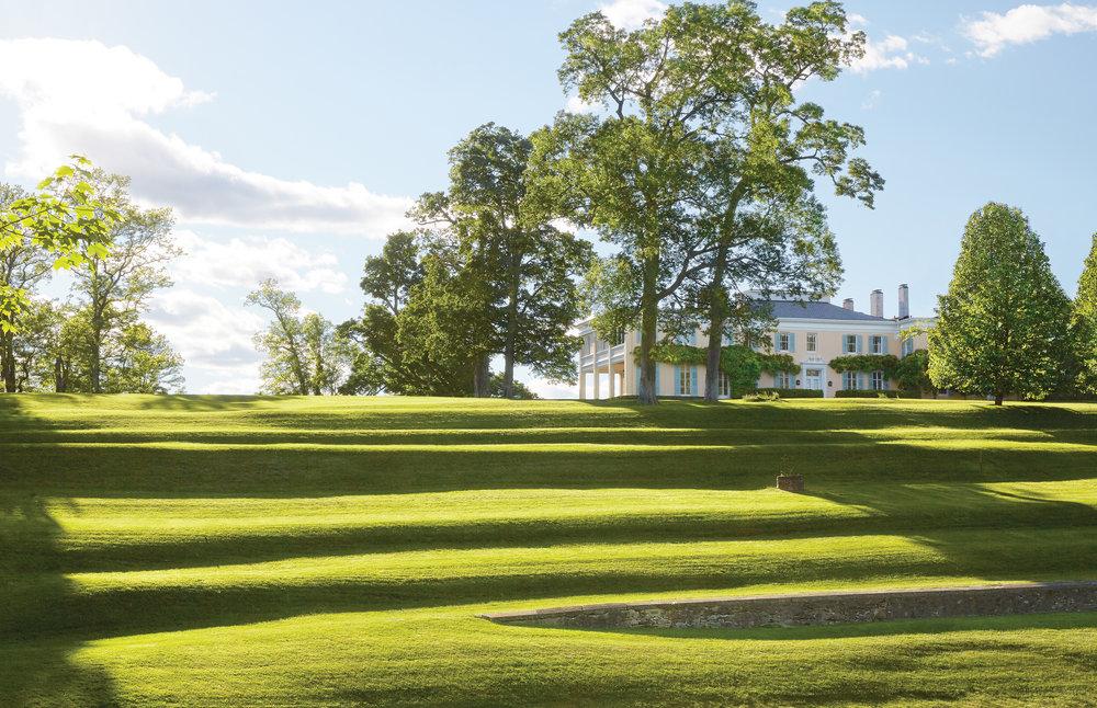 Pieter Estersohn,  Life Along the Hudson: The Historic Country Estates of the Livingston Family