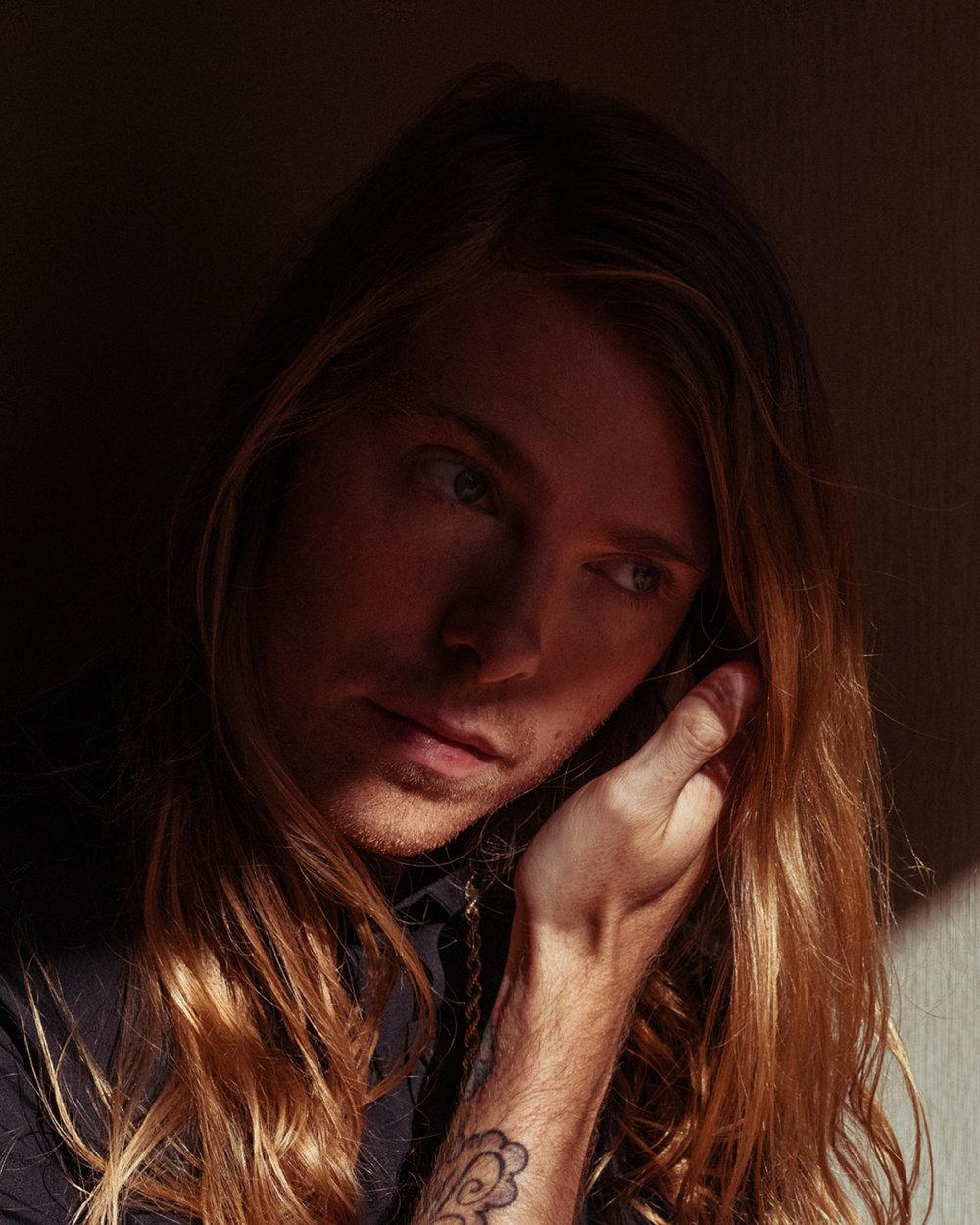 portrait photographer Tim Cole shoots Eddie House at the Westin Bonaventure Hotel