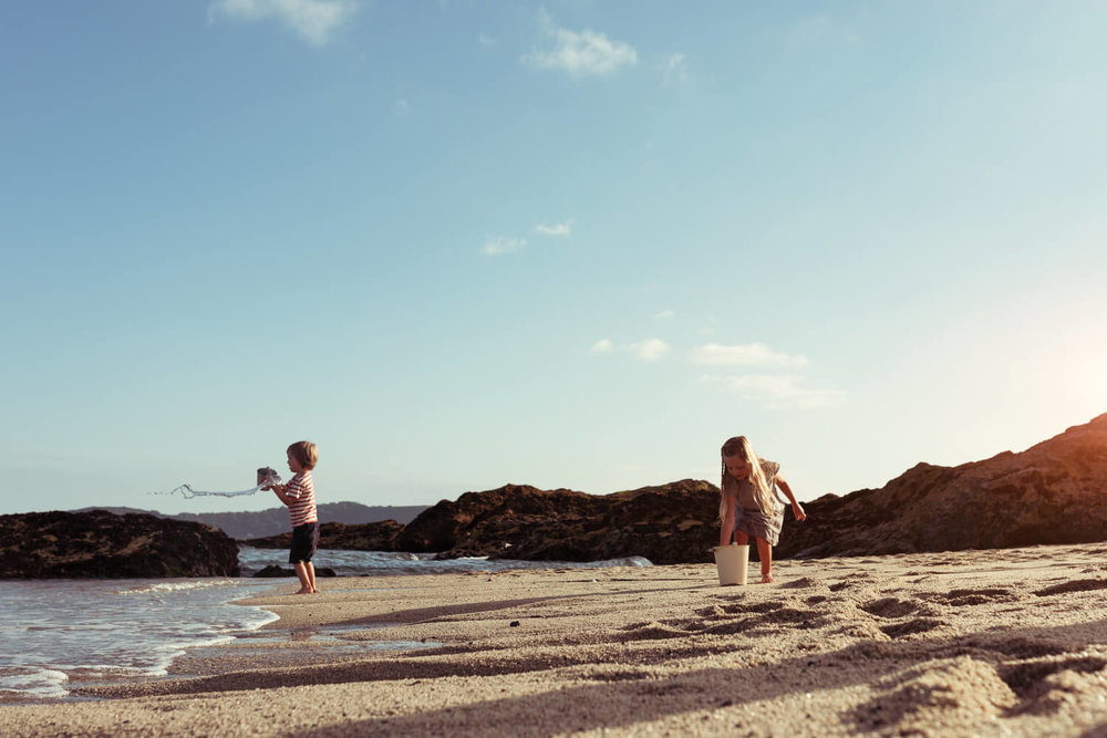 lifestyle photographer Tim Cole shoots two children on the beach
