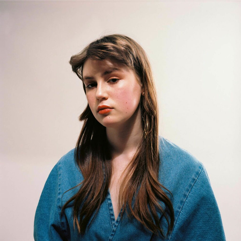 portrait photographer Tim Cole shoots girl in blue dress