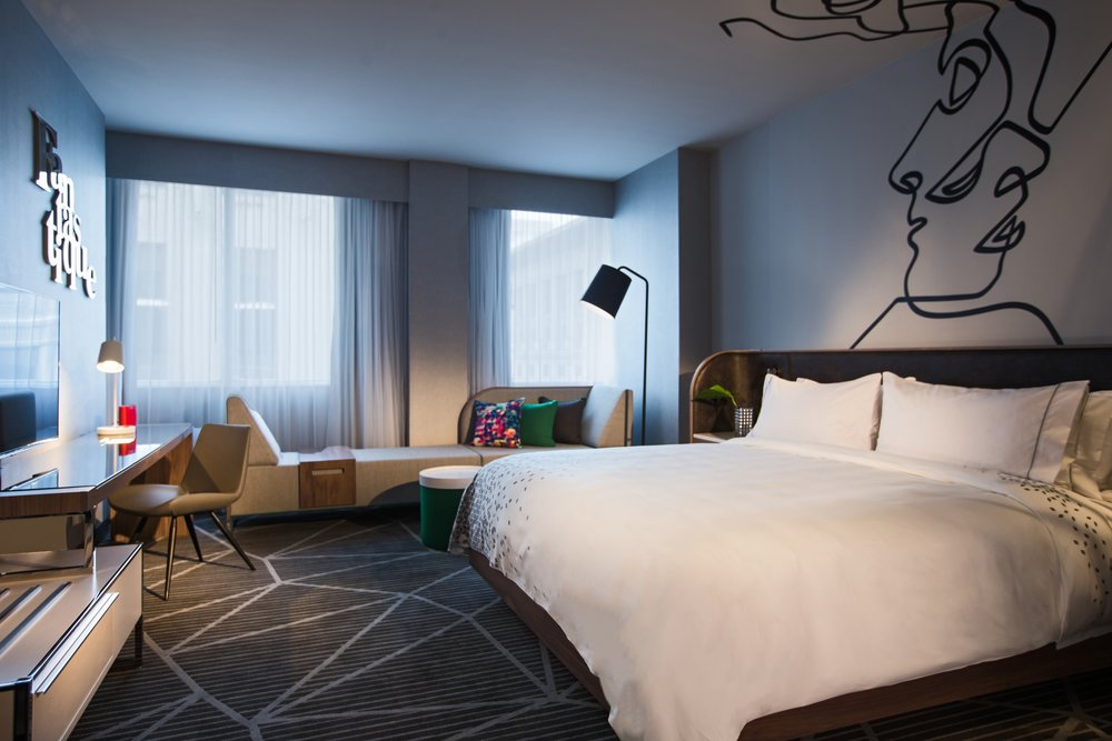 Guestroom_Standard_King_4520.jpg