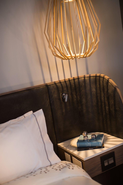 Guestroom_Standard_King_4600.jpg