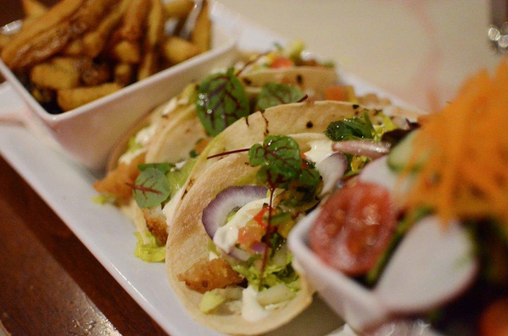 Tacos de poisson du Méchant Boeuf