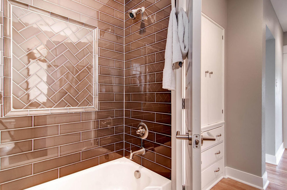 1925-S-Lincoln-St-Denver-CO-large-018-18-Master-Bathroom_1100px.jpg