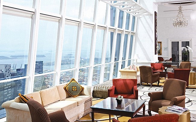 B_tower-club-singapure-1.jpg