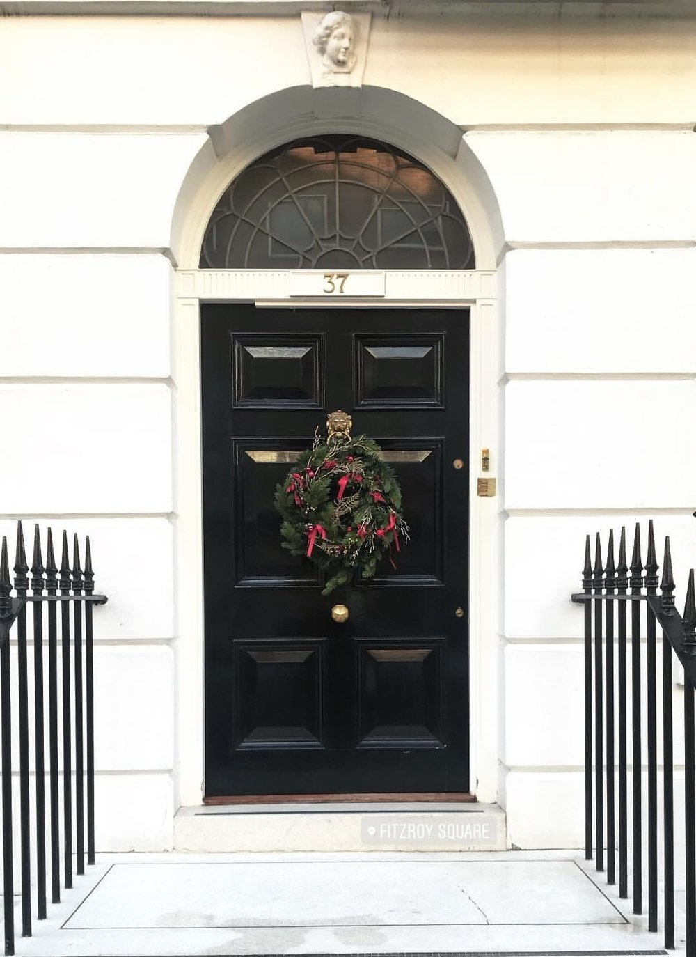 Festive Vibes - I am sucker for a cute doorway and even more so when adorned with a lovely wreath! This one was at Fitzroy Square, one of the lovely spots nearby to my office.
