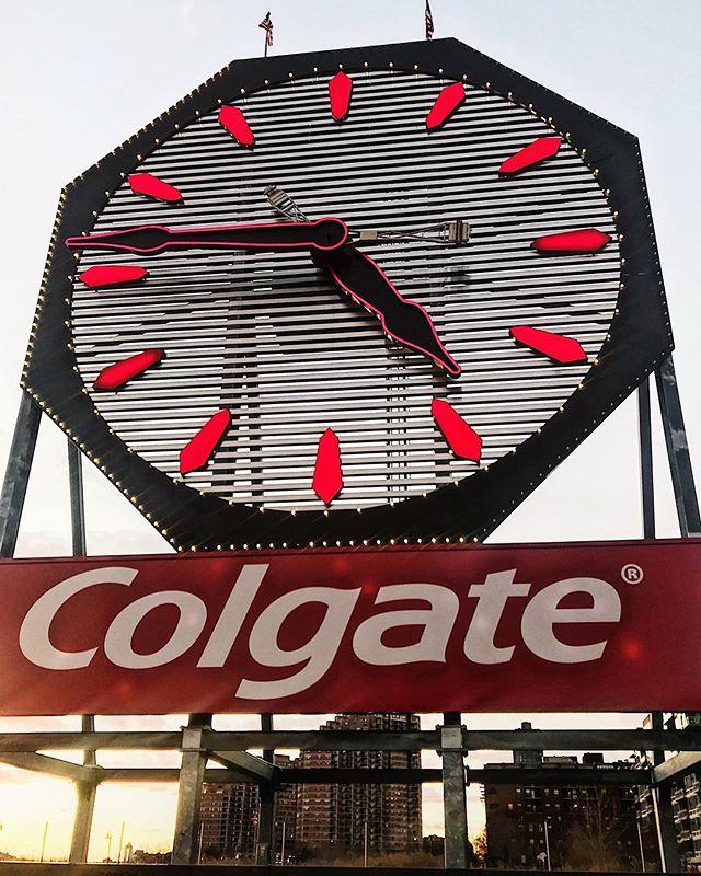 Do you wanna see my big clock? 😏
