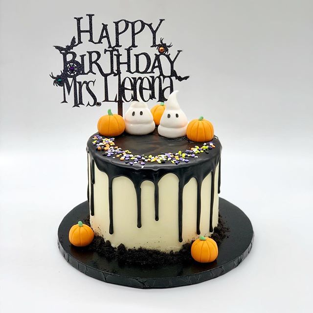 When you have a birthday on Halloween you need a cute cake like this. Happy Birthday Mrs. Llerena. Thanks @chloescornercreations for this amazing topper. #halloweenbirthdaycake #conchitaespinosaacademy #dripcake