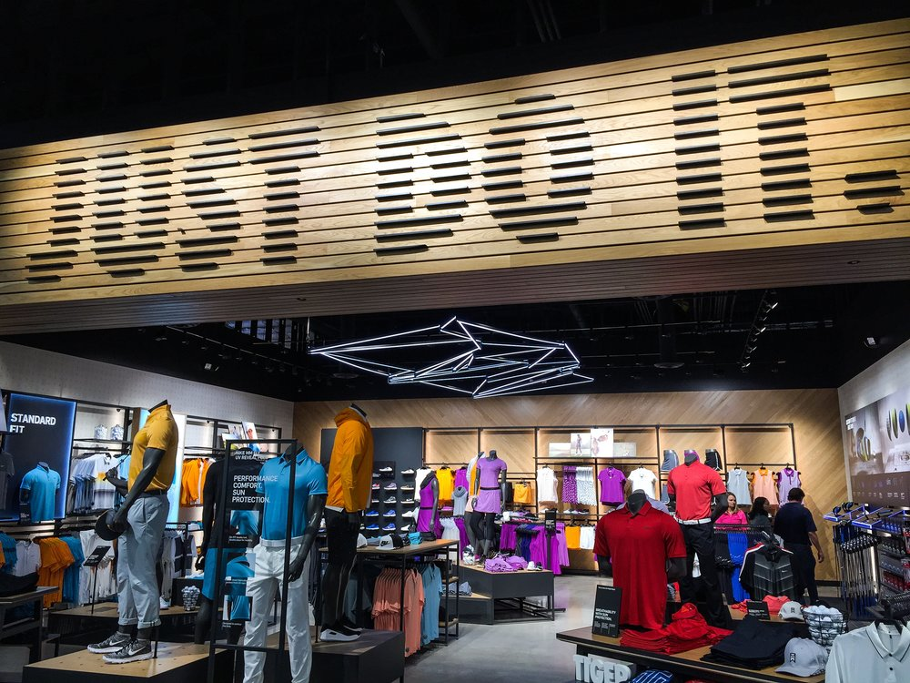 The Nike Golf Shop at Roger Dunn Santa Ana