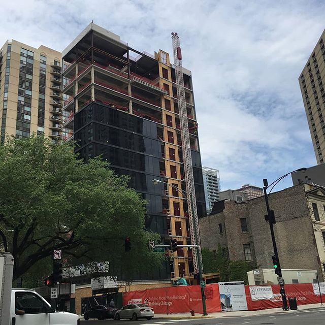 56 W Huron beautiful glass curtain wall growing. #jsir #jamesonsothebys #56WHuron #chicago #rivernorth #realestate #highrise #views