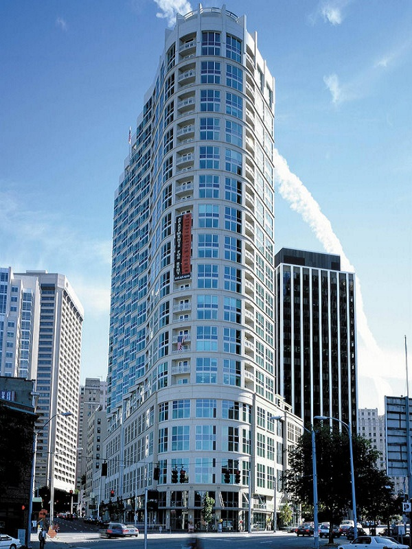 Metropolitan Tower Apartments  366 Units — Downtown Seattle  Completed 2001