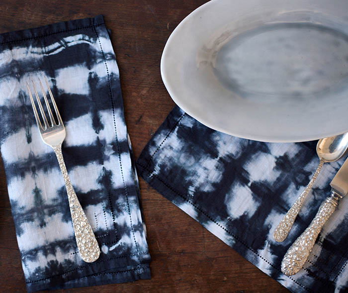 Shibori-Napkins-Table-Setting-01.jpg