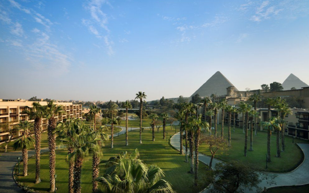 Mena House Hotel overlooking Giza Pyramids