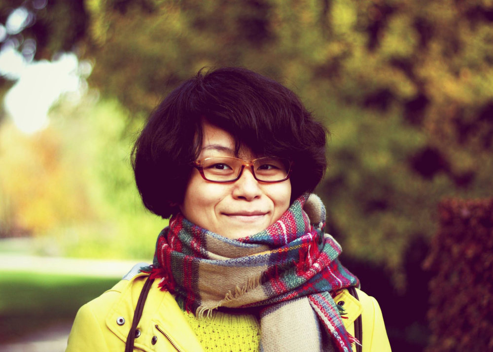 portrait_yi_luo_300dpi.jpg