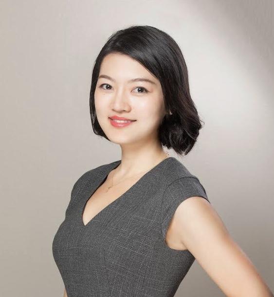 June Tan (Moderator) - 谭君子是一名双语娱乐法律师,就职于乐博律师事务所,深入参与公司在亚洲的娱乐及媒体业务。作为好莱坞少数具备中文语言能力的律师,她对跨境交易有深刻的了解,并代表多个中国行业领先的娱乐公司及投资者(包括腾讯集团、博纳影业、大地电影等)参与其与好莱坞的合作。同时,她亦作为美国制片公司及艺人的顾问,为其提供版权授权、融资、开发、制作及发行方面的咨询。此前,谭君子是美国达维律师事务所北京办公室的法律顾问,期间她参与了多个中国国有金融企业(包括新华保险、银河证券和光大银行等)分别上十亿美金规模的首次股票公开发行项目。她在哈佛大学法学院获得法学硕士学位,并在北京大学获得法学和经济学双学士学位。谭君子亦是洛杉矶华语影视联盟的董事会成员、2018年洛杉矶华语电影节商业事务总监。