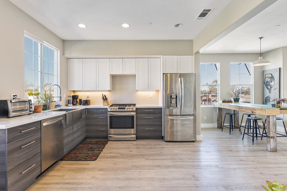 55 Palm Dr-015-22-KitchenEating Area-MLS_Size.jpg