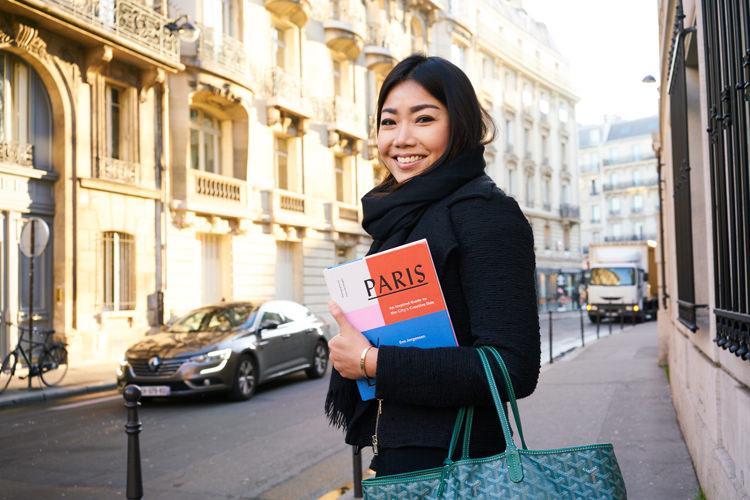 Jasmine Tartine in the 8th arrondissement, Paris by Design in hand.
