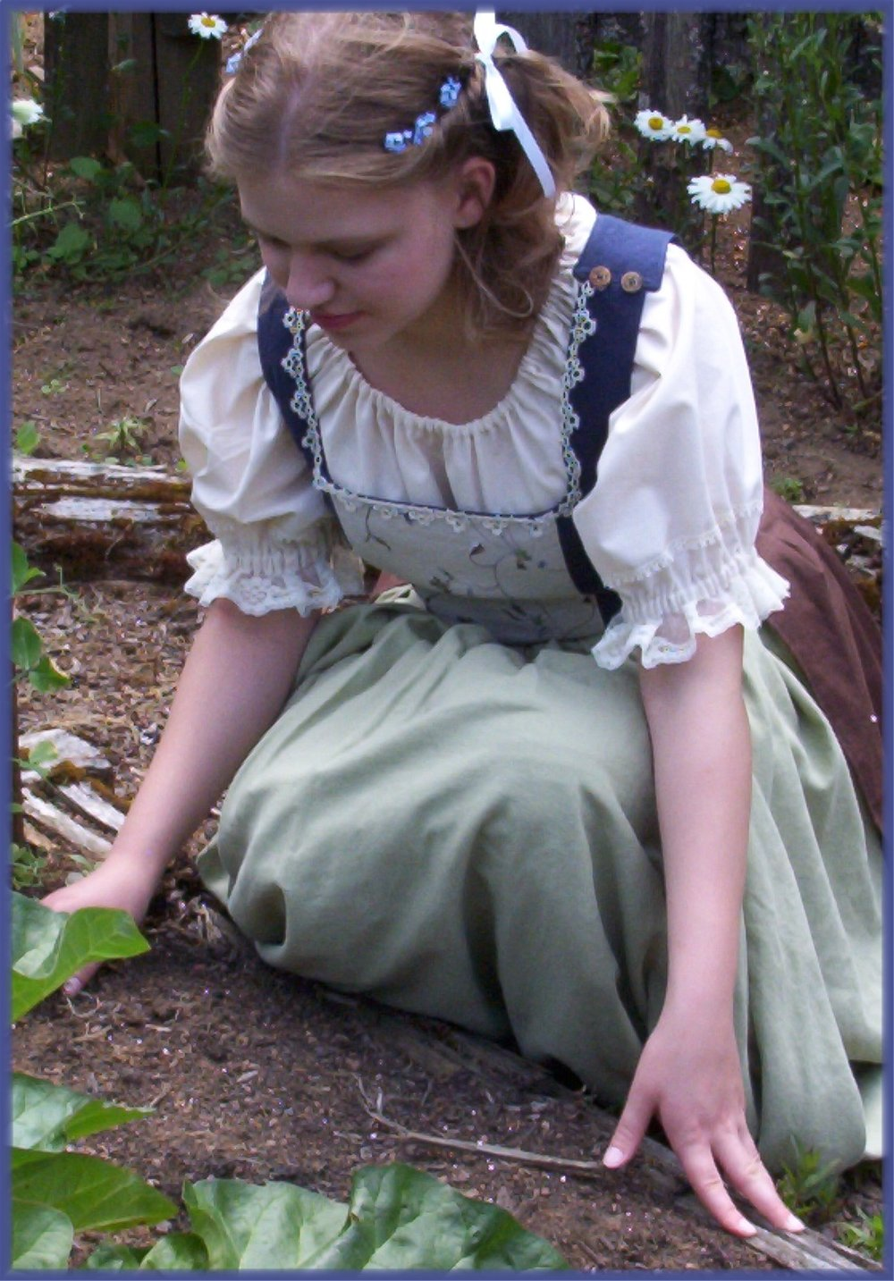 Bekah's Hobbit Dress 019.jpg