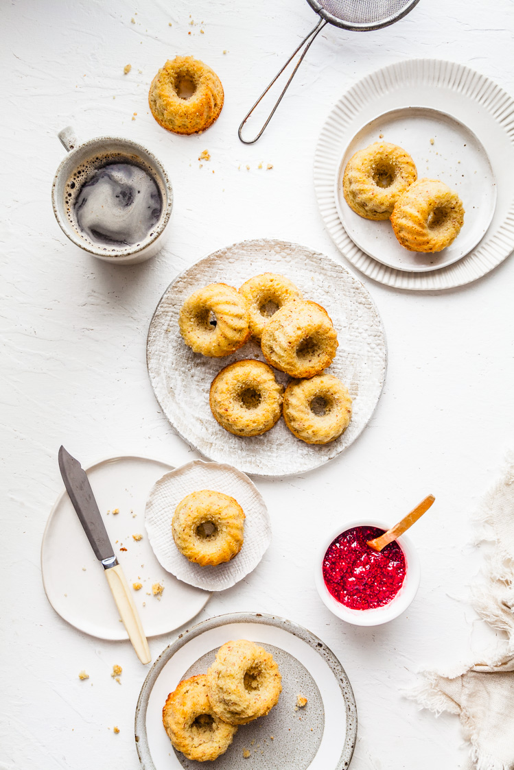Mini Iced Vovo Bundt Cakes {DF & GF} | The Whimsical Wife