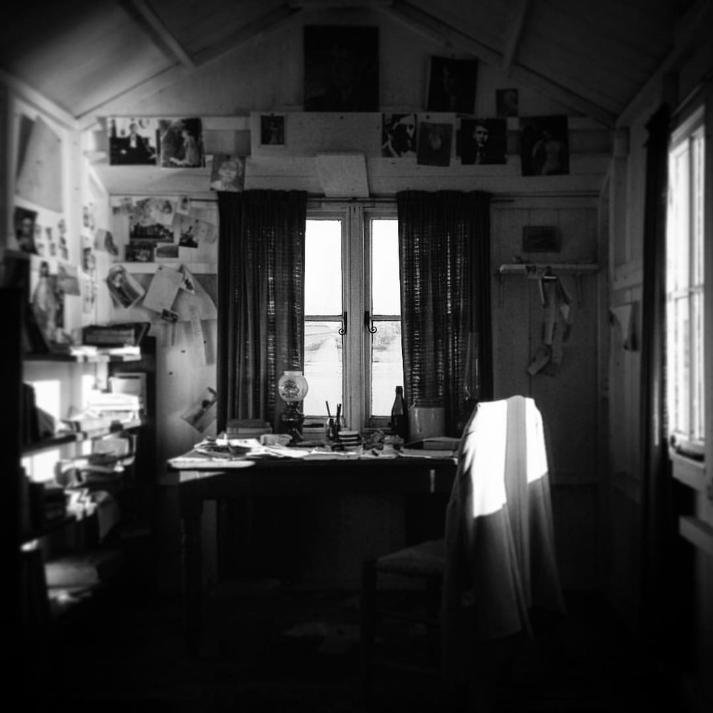 Loved visiting #DylanThomas' writing shed in #laugharne today. Such an inspiring place. #DoNotGoGentle #MorePoetry #blackandwhite