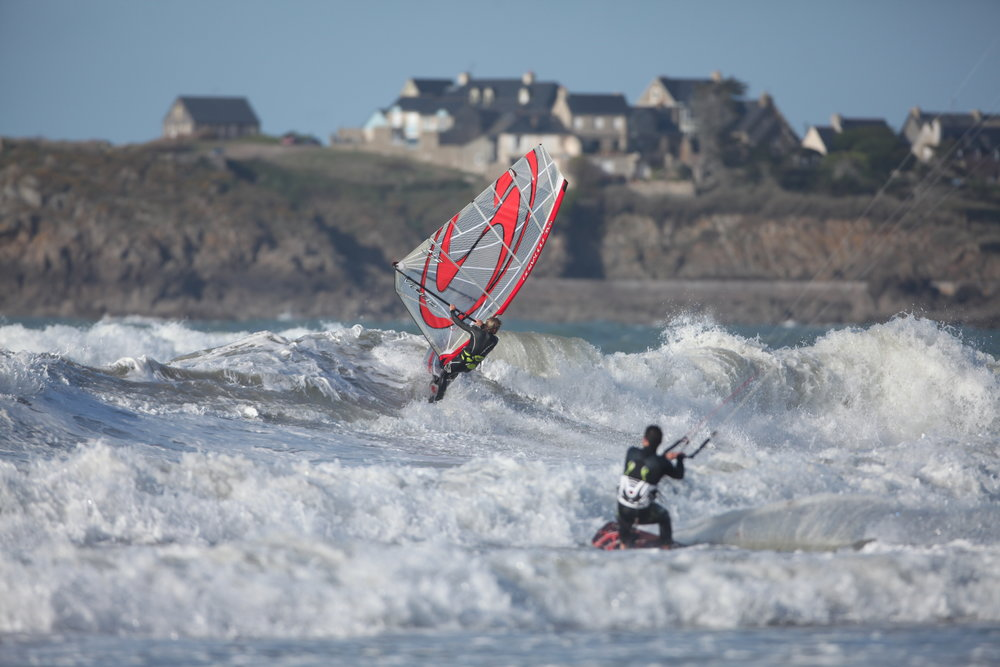 March 2010 - Launch of the first windsurfing sail line