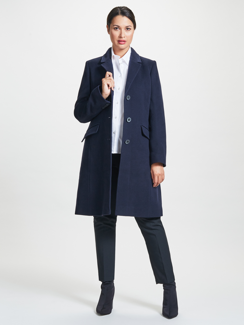 ^ I own the City Coat and I absolutely love it. It comes in red, black and navy. It's a beauty.