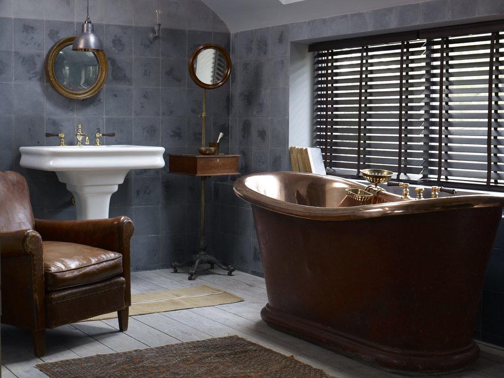 Original patinated copper bath straight fronted basin on pedestal (2).jpg