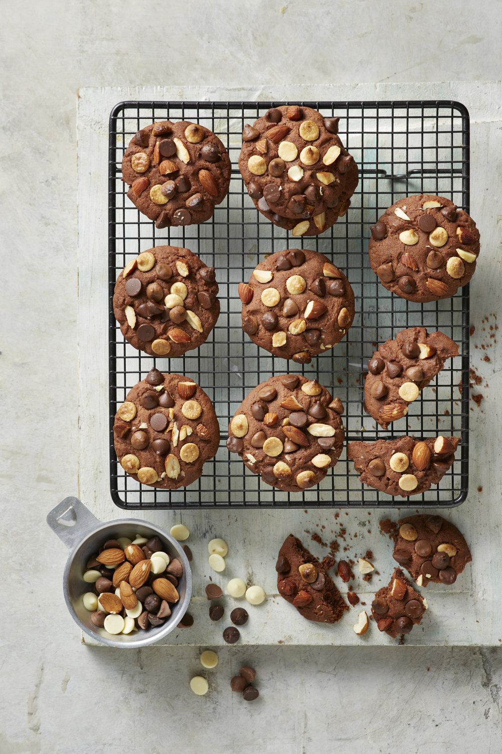 Triple choc almond cookies 20171027_0045.jpg