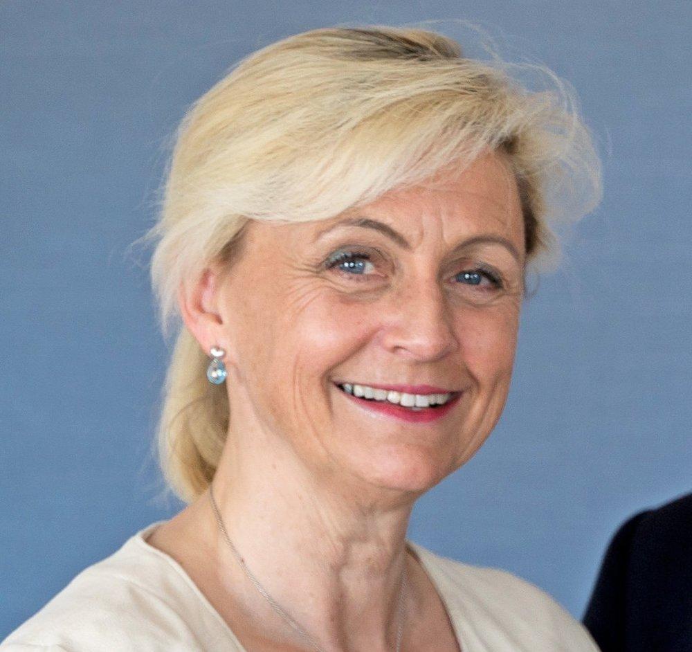 Ms Turid Elisabeth Solvang,