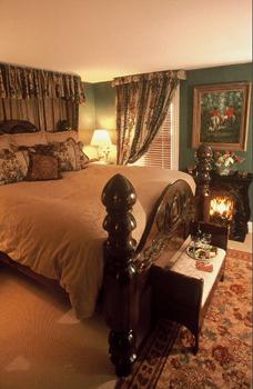 Wyn_Room1.jpg