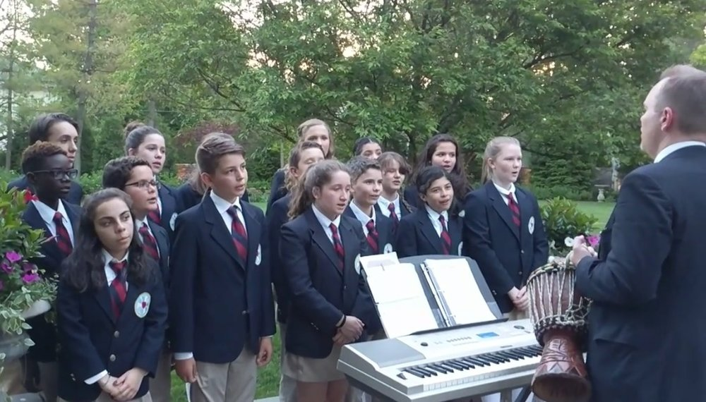 TCS Select Choir serenades guests at Blue Ribbon Foundation Fundraiser on May 18 in Bronxville.