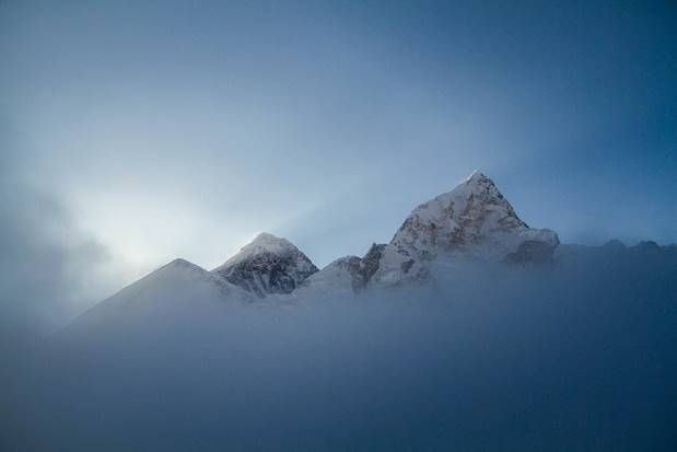 Mt Everest shot from Kalapathar