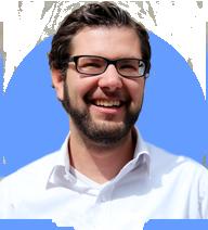 Patrik Schär - Patrik ist ehemaliger Banker und Finanzanalyst und kümmert sich bei Selma um die Finanz-Algorithmen und Kunden.Selma Finance wurde 2016 gegründet und ist in der Schweiz als unabhäniger Vermögensverwalter reguliert.🇨🇭