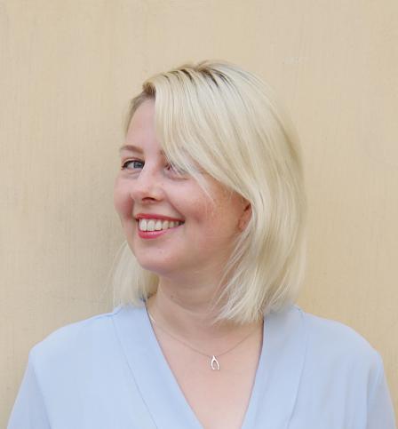 Valeria Gasik - Valeria Gasik ist UX Designerin und erfahrene Unternehmerin mit MSc in IT. Sie macht komplizierte Dinge, einfach und angenehm. Deshalb findest du immer etliche Zeichnungen und Entwürfe auf ihrem Tisch.