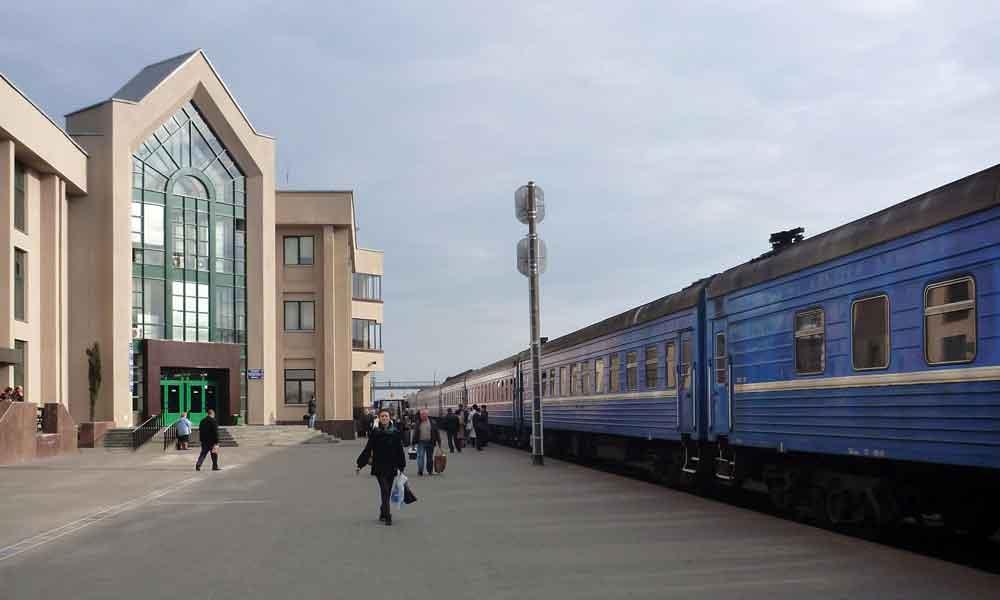 P1000941-Homyl-train-statio.jpg