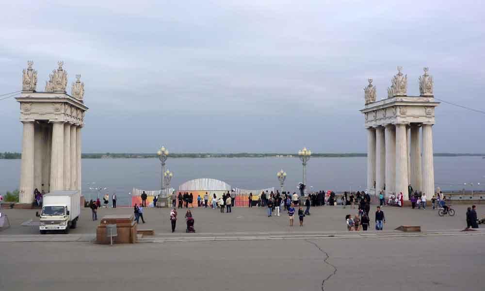 P1010075-The-river-Volga.jpg