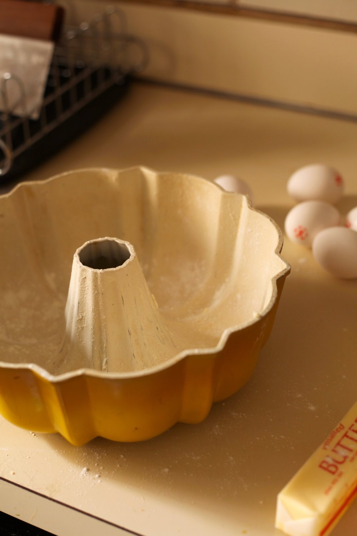 Coconut Graham Bundt Cake 1