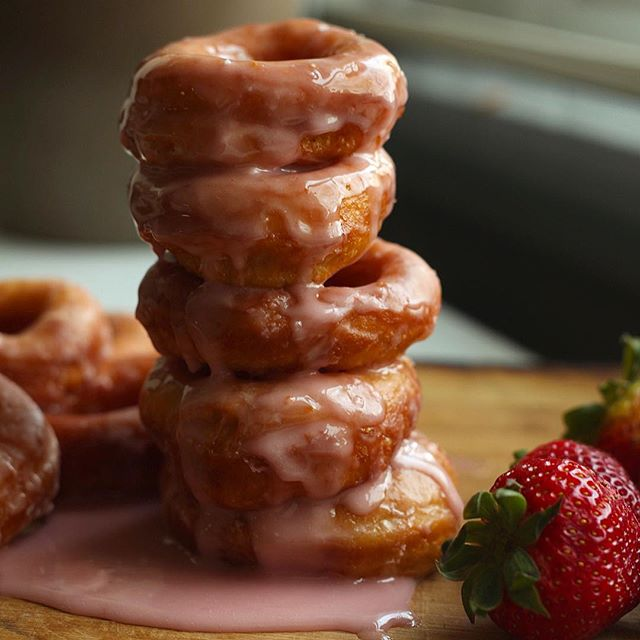 It's a donut stack kind of Wednesday! Recipe for these Strawberry Milk Donuts is at the link in my profile 🍓🍓#messycooking • • • • •  #donuts #howisummer #bareaders #feedfeed @feedfeed #imsomartha #edibledc #eattherainbow #abmlifeiscolorful #foodwinewomen #f52grams #lifeandthyme #buzzfeast #feastgram #thehappynow #eeeeeats #tastespotting #strawberry #marthabakes #forkyeah #f52fingerfoods #pastrylife
