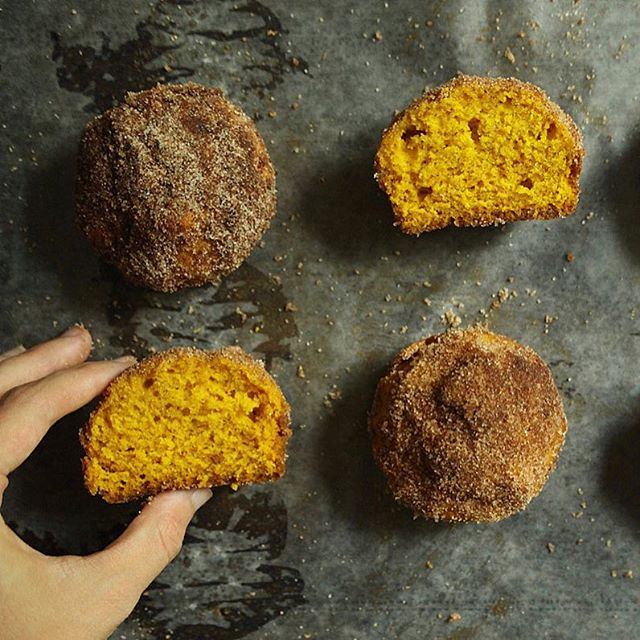 I know it's been awhile, but I ✨finally✨ have a new recipe for you guys. These Pumpkin Morning Buns are a cross between a donut, a muffin, and a slice of pumpkin bread. And let me tell ya, they are delicious. I don't care that it's still 90 degrees out, it's fall in my kitchen! Recipe link in bio🍁🍂🍁🍂#messycooking
