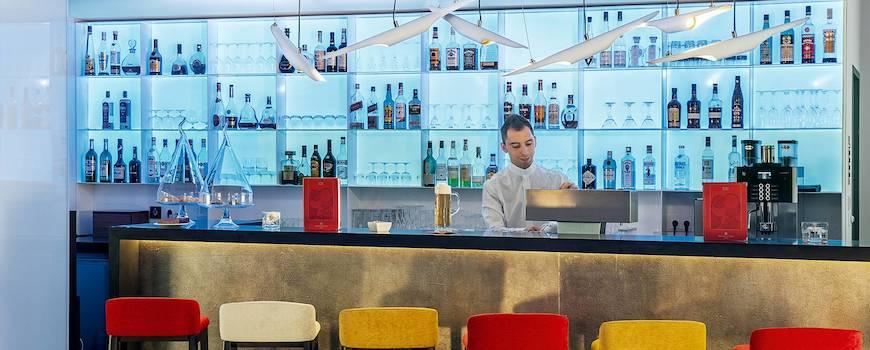 nh_collection_frankfurt_city-104-bar.jpg