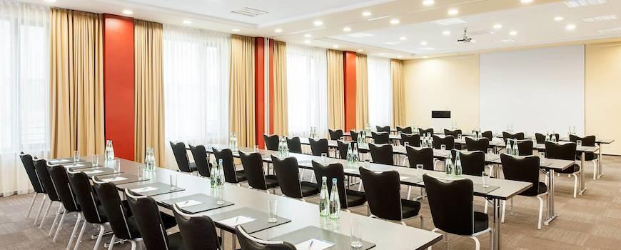 nh_collection_frankfurt_city-093-meeting_room_setting.jpg