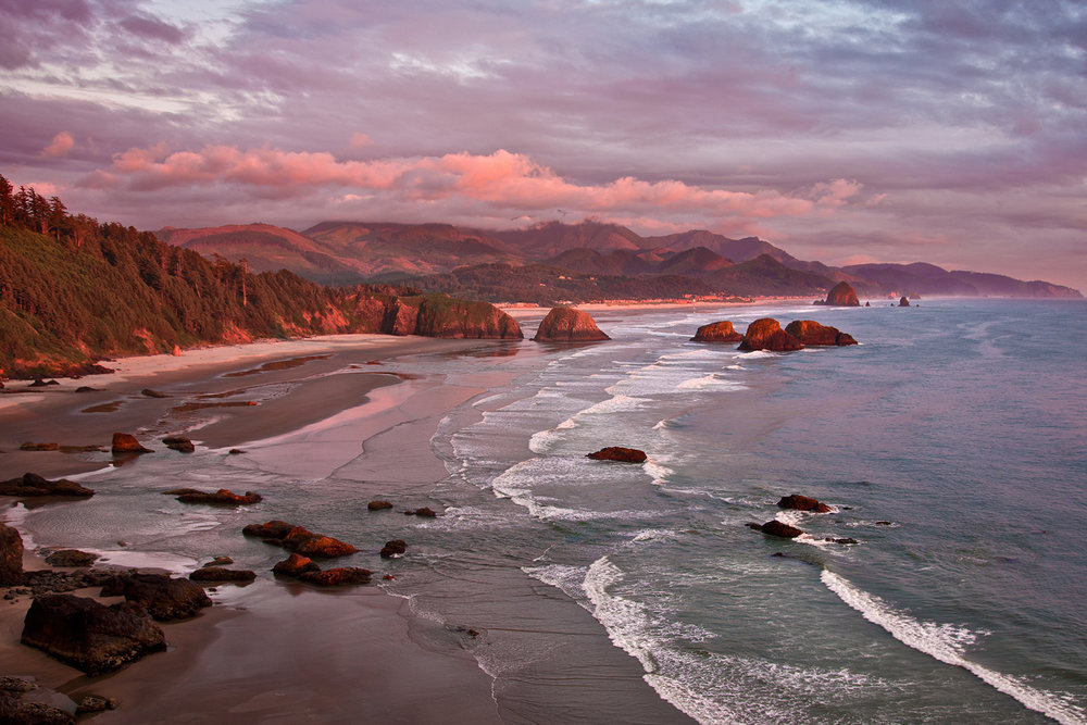 BEACH COMMUNITIES ON THE OREGON COAST -