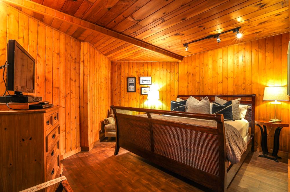 Room 3, The Inn at Arch Cape