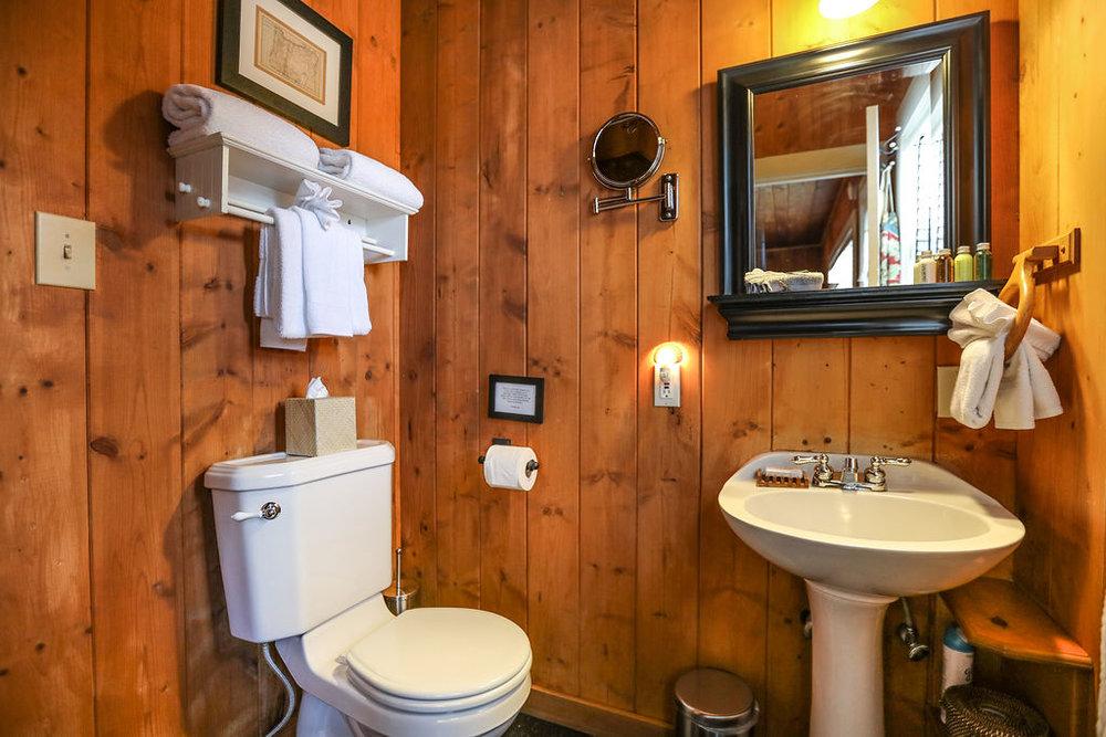 bathroom room 3.jpg