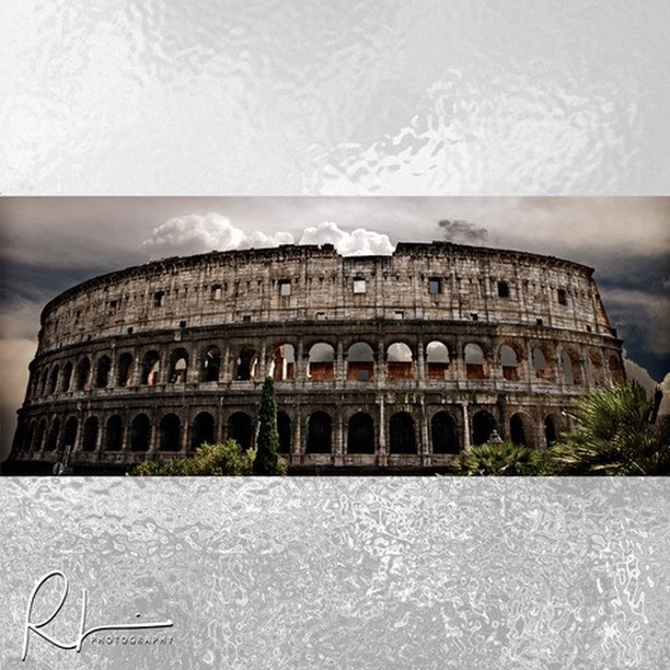 When in Rome, one must visit the Colosseum. I have a 5' canvas of this going up in a gallery next week. It'll be at Surora Gallery in downtown Vancouver WA starting next Friday through the following 30 days. Many other photographers and artists will be on display as well. . . . #wheninrome #colosseum #romecolosseum #travelphotography #travelphotographyinrome