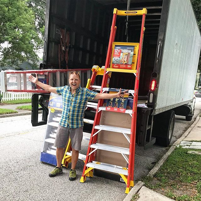 I love it when a big truck rolls up!! Huge shoutout to @wernerladderco (our Favorite ladder here at #zombiehouseflipping ) from the whole cast!!! #thankyou 🚧🏚🎬📽🎥🎬🚧🏚🚧🏚🎬📽🎥 #househunting #homedesign #flipgamestrong #orlandoliving #realestateinvestor #remodel #remodeling #realtor #househunting #homedesign #flipgamestrong #orlandoliving #remodel #remodeling #realtor #l4l #f4f #flip#florida #orlando #renovate #redo #realtor #realestate #demoday #orlandorealestate #homerenovation @fyi @AEtv @pilgrimmediagroup
